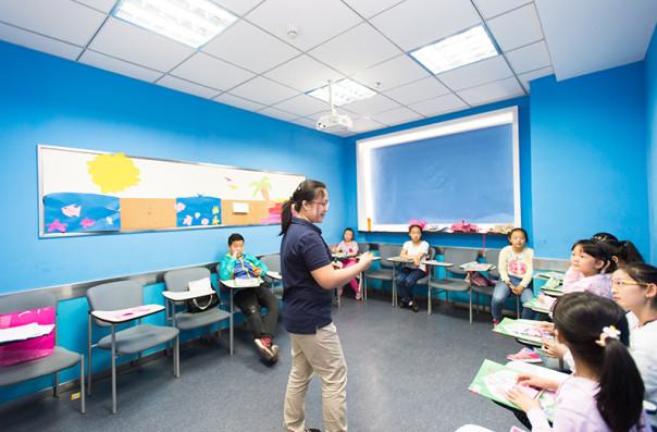 乌鲁木齐英孚教育青少英语培训学校;青少年英语领先课程(15-18岁)帮助